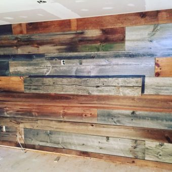2-toned-barnwood-feature-wall-and-barn-beam-close-up
