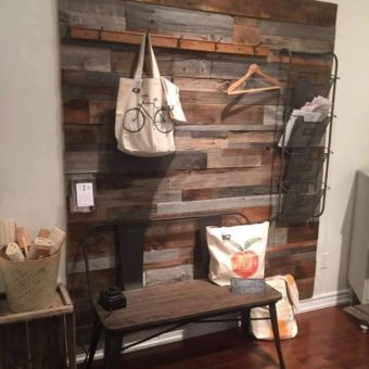 2-toned-barnwood-store-display-feature-wall-decorated