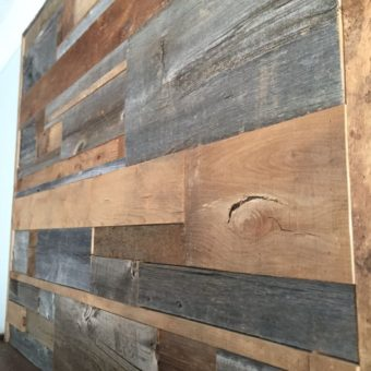 barnwood-2-toned-scattered-pattern-fireplace-mantle-close-up