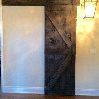 dark-stained-pine-arrow-pattern-barndoor