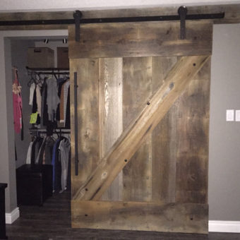 large-brown-barnwood-z-pattern-barndoor-closed
