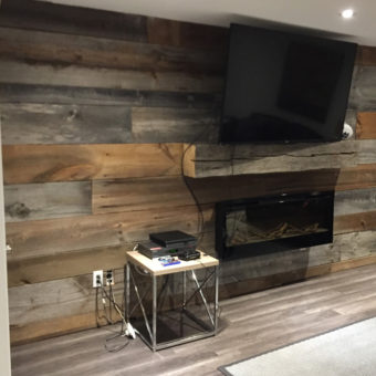 Multi toned Barnwood feature wall with barn beam