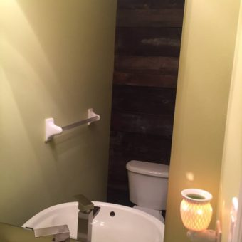 small-powder-room-barnwood-feature-wall-full