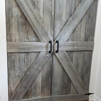 White Washed Barnwood Arrow Pattern Hinge Barndoors